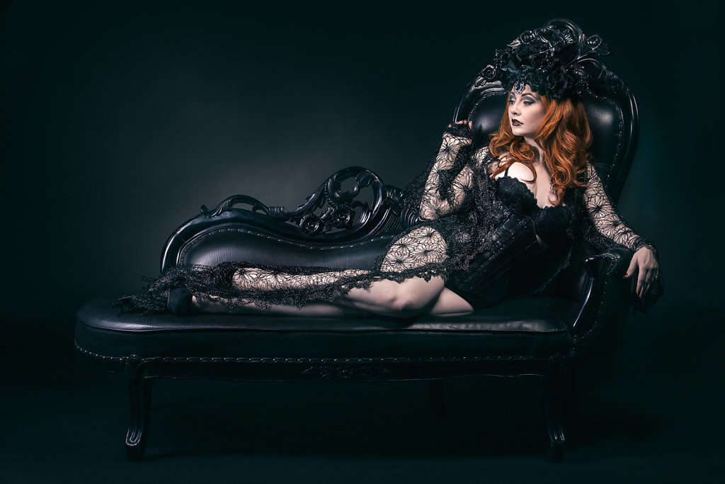 2015-09-28-Lucy-Dark-Lace-189-Edit.jpg